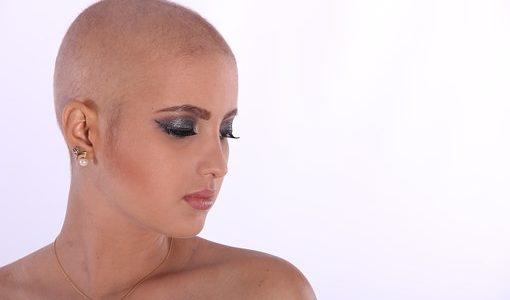Izguba las, trepalnic in obrvi med kemoterapijo
