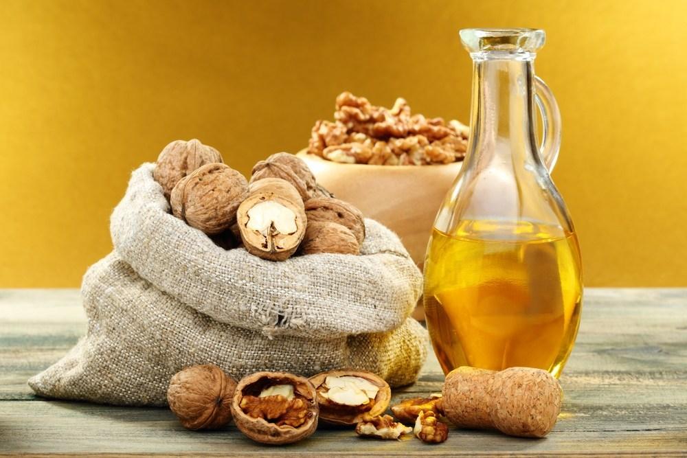 Orehovo olje pomaga pri hujšanju in odpravi celulita