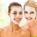 Kako pripravimo domačo masko za obraz z naravnimi sestavinami?